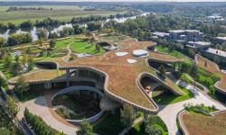 Nová ohromná rezidence v Moskvě se pyšní zahradou na střeše