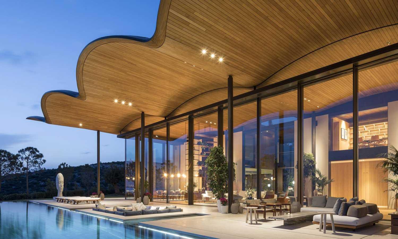 U moře v Turecku se sluní nová luxusní vila