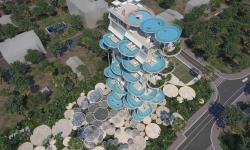 Ve speciálním bytovém domě na Kypru budete mít bazény místo balkonů